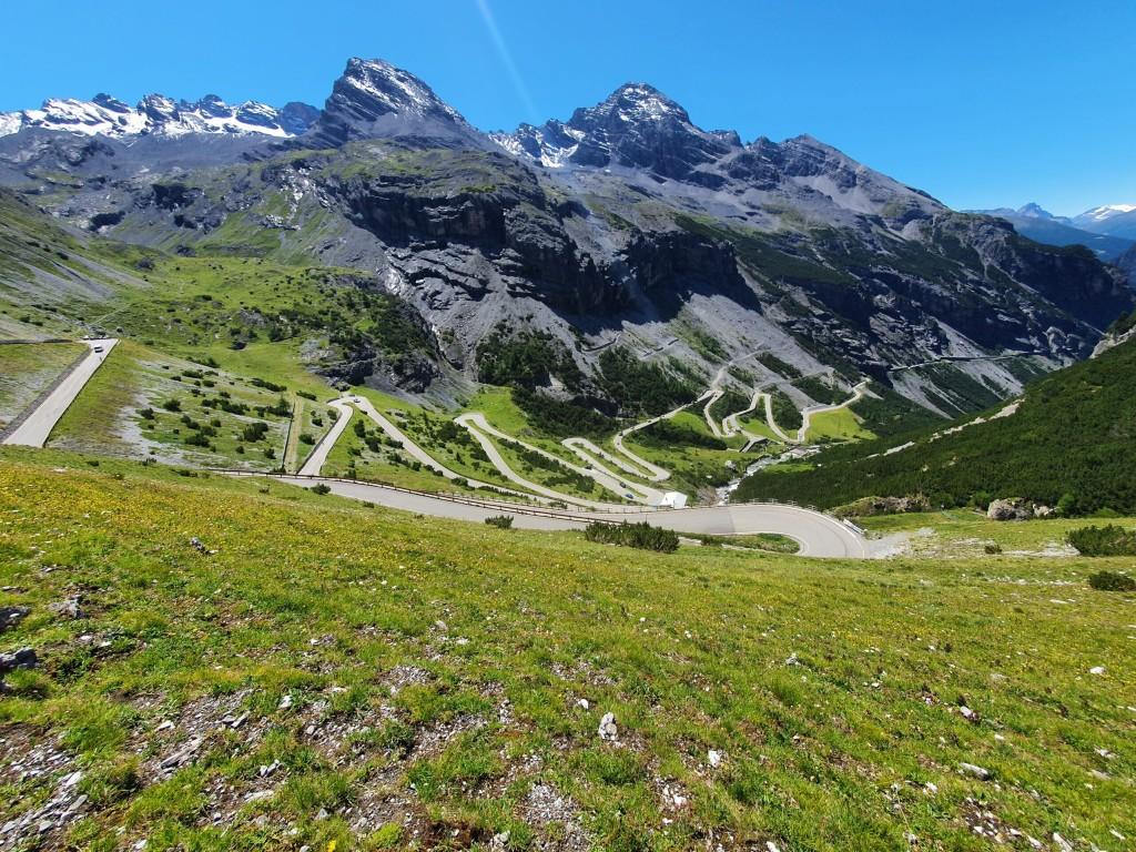 TOP 10 Italian passes – lakes, mountains, experiences